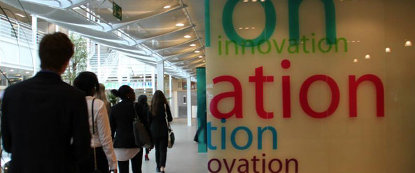 Students Visit the HP Innovation Center