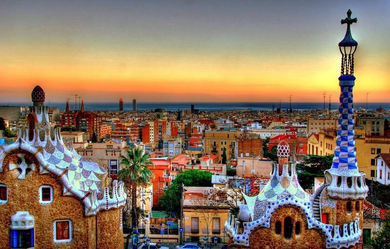 10 Reasons Why Barcelona is the Best Student City