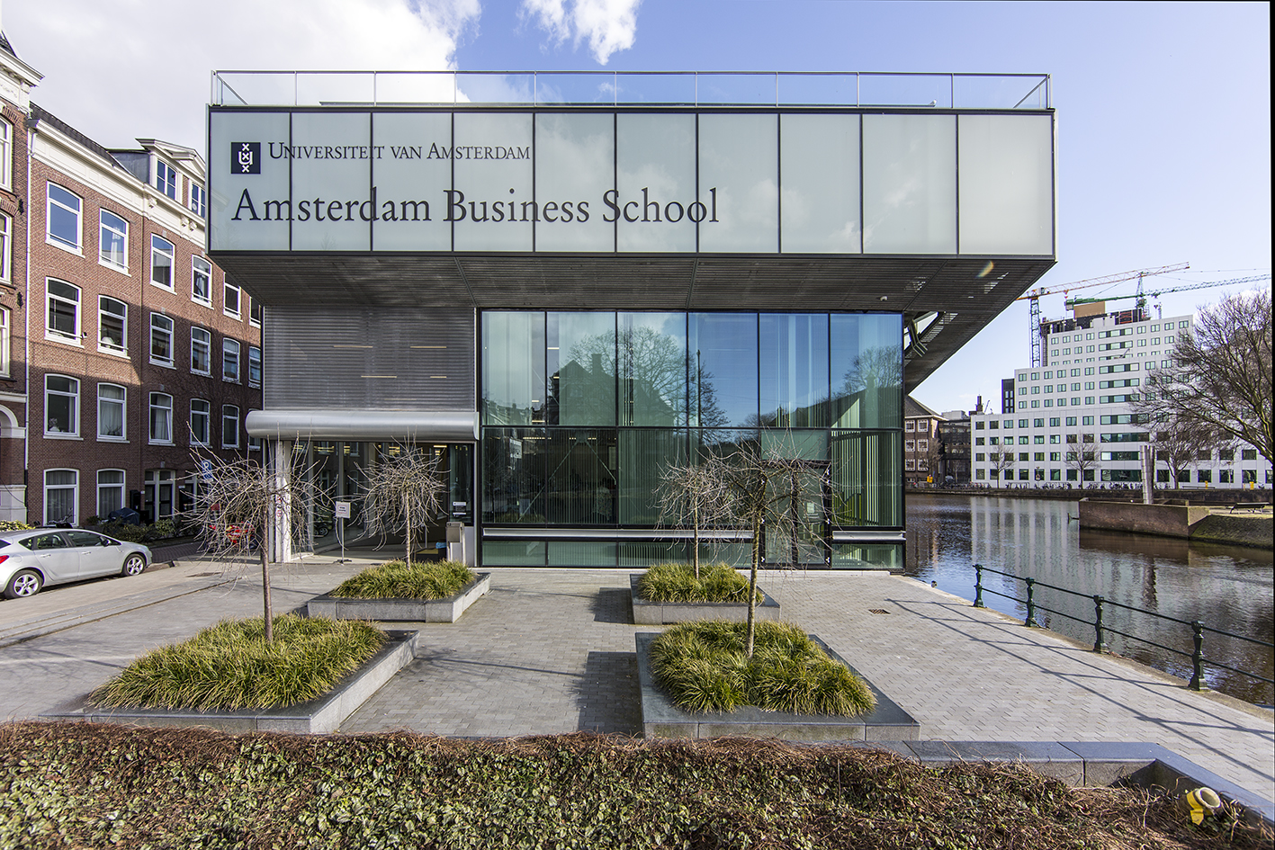 EU Business School Collaborates with the University of Amsterdam