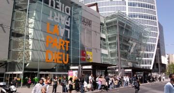 EU Switzerland Students Go Shopping