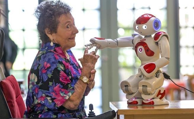 Zorabots-elderly-EU-alumni-robotics