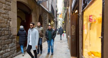 How to Travel Safely to Barcelona to Study